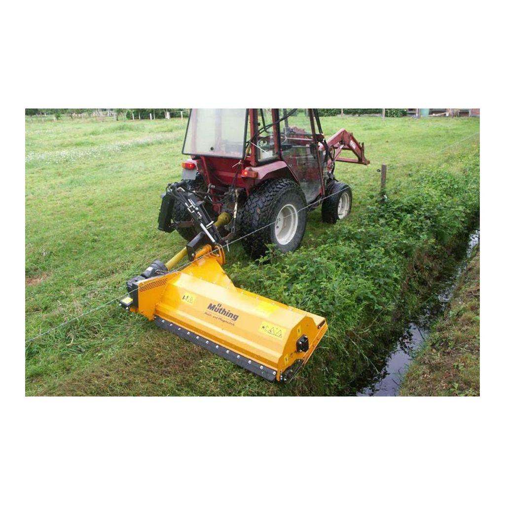 broyeur fl aux broyeurs d 39 herbe pour tracteurs avec prise de force. Black Bedroom Furniture Sets. Home Design Ideas